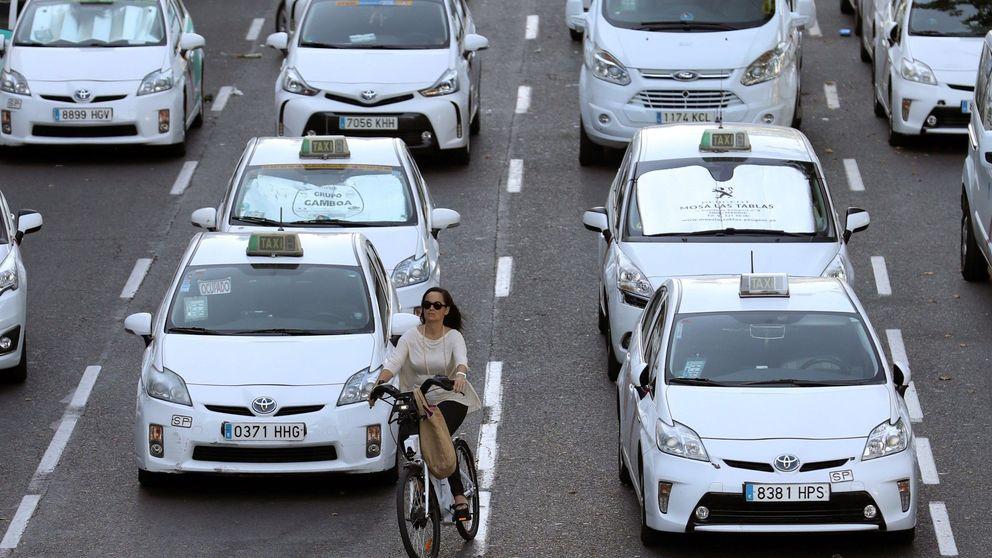 ¿Rescate millonario al taxi? Qué ocurrirá tras el verano en la guerra contra las VTC