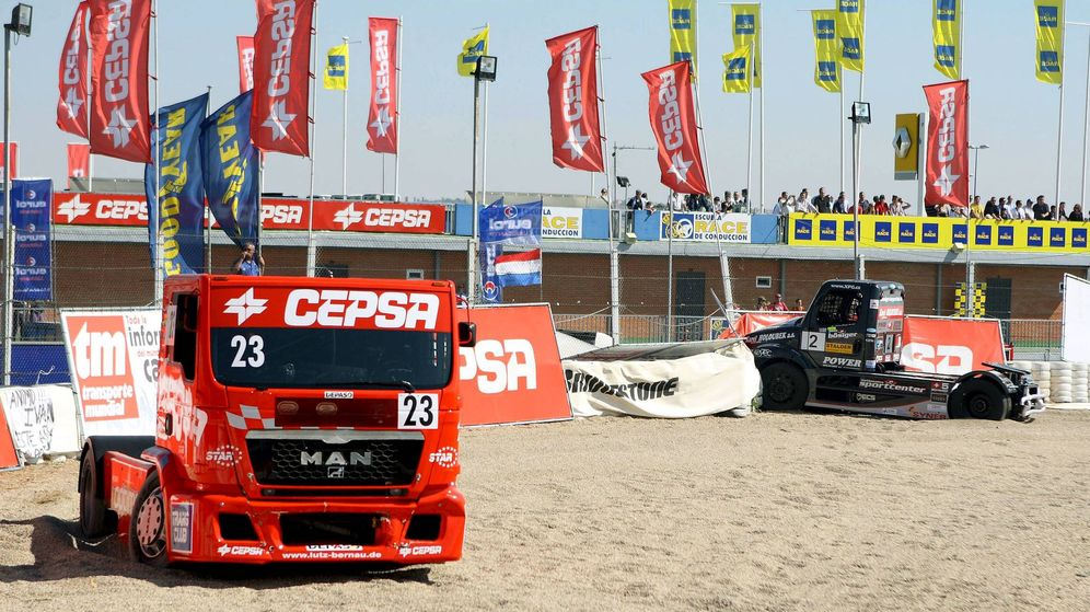 Foto: Foto de archivo de un camión de carreras patrocinado por Cepsa. (EFE)
