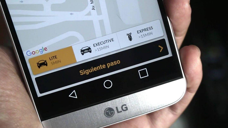 El sector del taxi está en constante batalla con aplicaciones como Uber o Cabify.