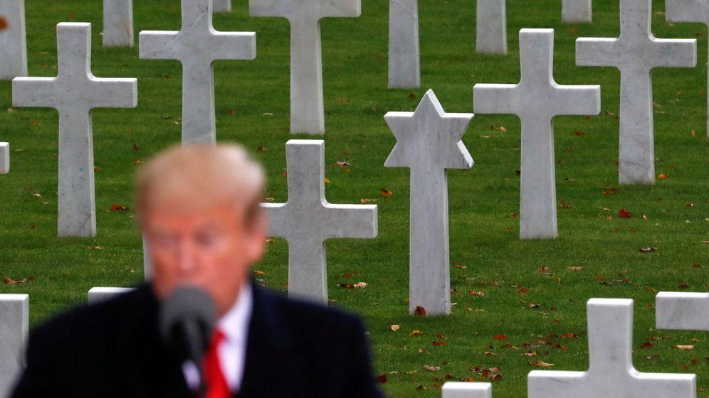 Foto: Donald Trump, durante una visita a un cementerio militar para homenajear a los soldados caídos (Reuters/Carlos Barria)