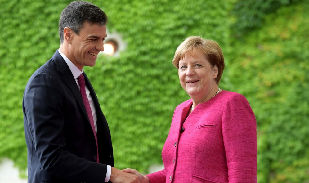 Foto: La canciller alemana, Angela Merkel, recibe al presidente del Gobierno español, Pedro Sánchez, el pasado junio en Berlín. (EFE)