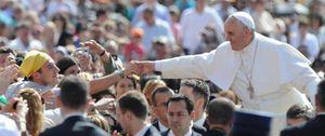 Foto: El Papa explica a un amigo por qué renuncia a la residencia oficial por un lugar más modesto