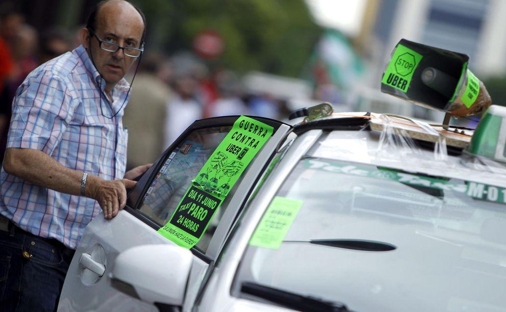 Foto: Cientos de taxistas se manifiestan contra el intrusismo (Fotografía: Efe).
