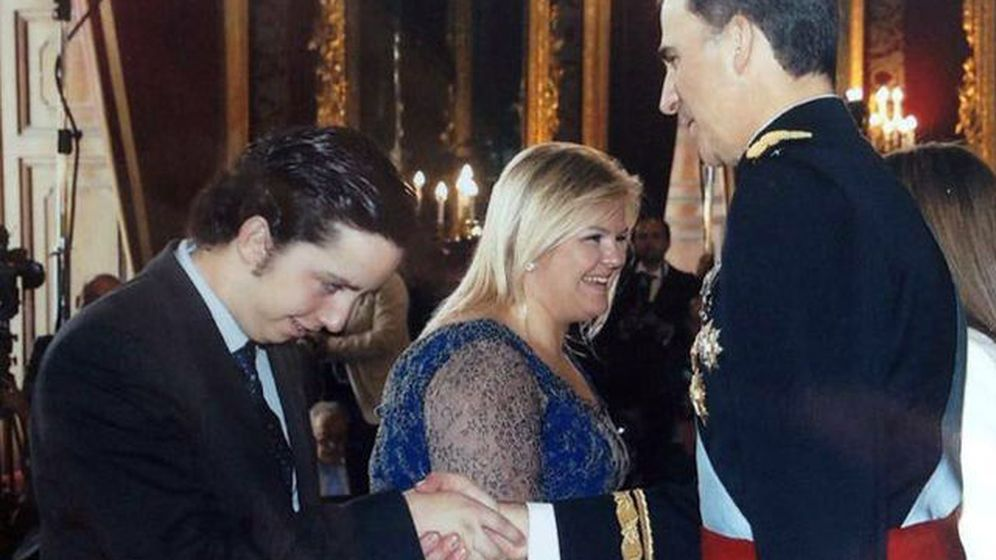 Foto: El 'pequeño Nicolás' en la proclamación de Felipe VI