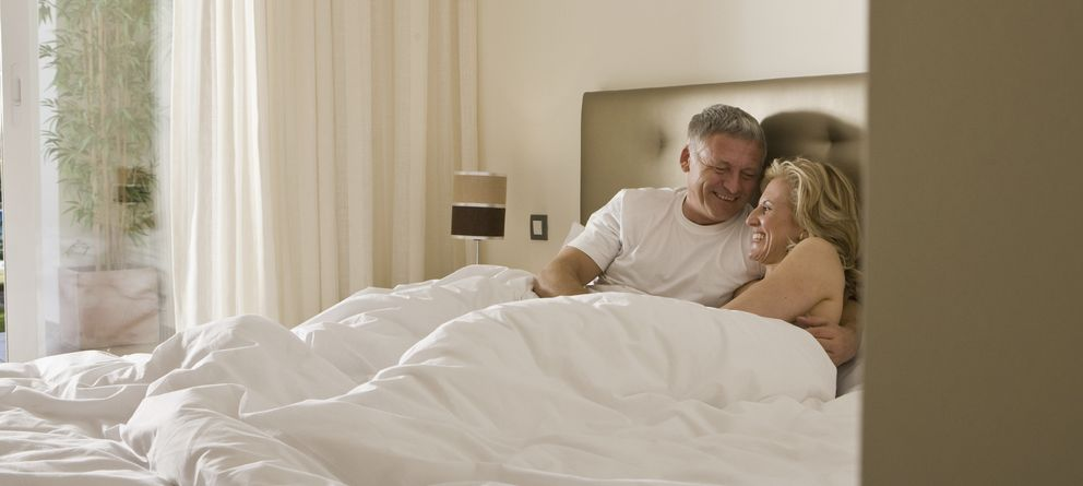 Foto: Muchas mujeres de mediana y avanzada edad padecen atrofia vaginal y no disfrutan de sus relaciones sexuales. (iStock)