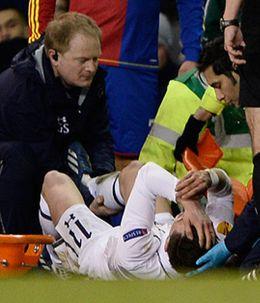 Foto: El tobillo de Bale enciende las alarmas: puede dejarle fuera en el momento clave
