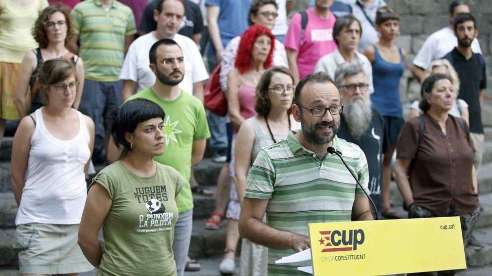 La CUP acorrala a Puigdemont con su última exigencia: consulta unilateral