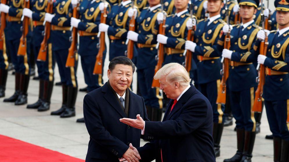 Foto: Fotografía de archivo del presidente de Estados Unidos, Donald Trump, recibido por el presidente de China, Xi Jinping, en Pekín. (Reuters)