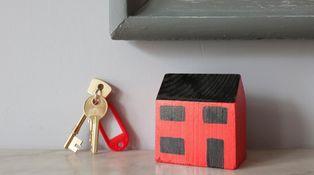 Desde hace años en mi comunidad se alquila la vivienda del portero: ¿la podemos vender?