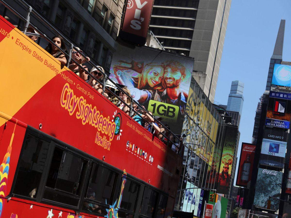 Foto: Bus turístico de la compañía sevillana City Sightseeing en Nueva York. (Reuters)