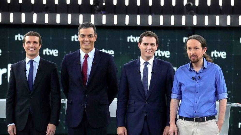 Foto: Casado, Sánchez, Rivera y Pablo Iglesias, en RTVE. (La Academia de la Televisión)