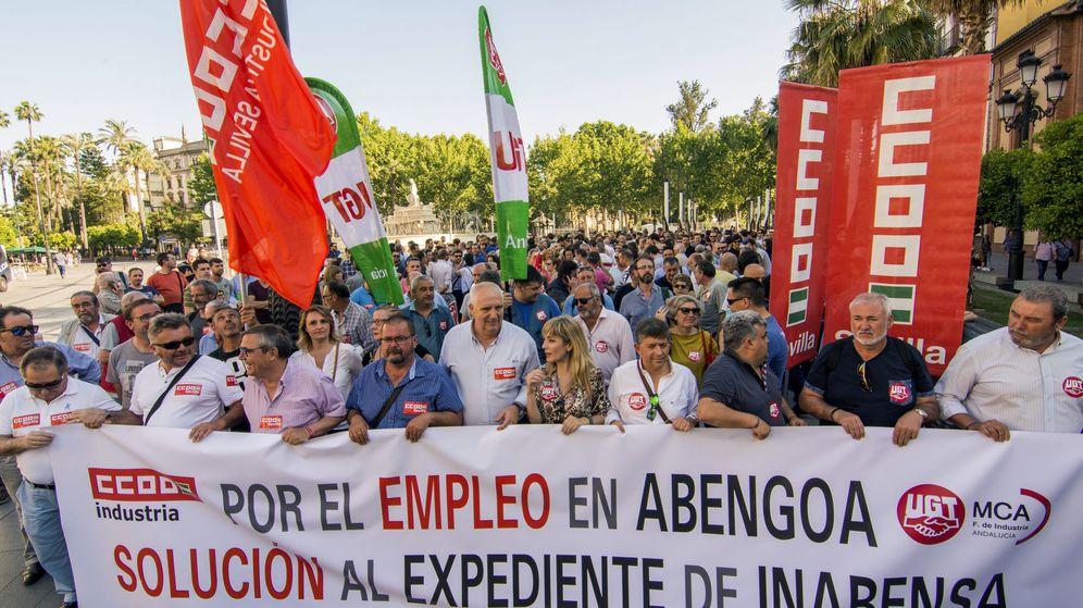 Foto: Manifestación de trabajadores de Abengoa en Sevilla (EFE)