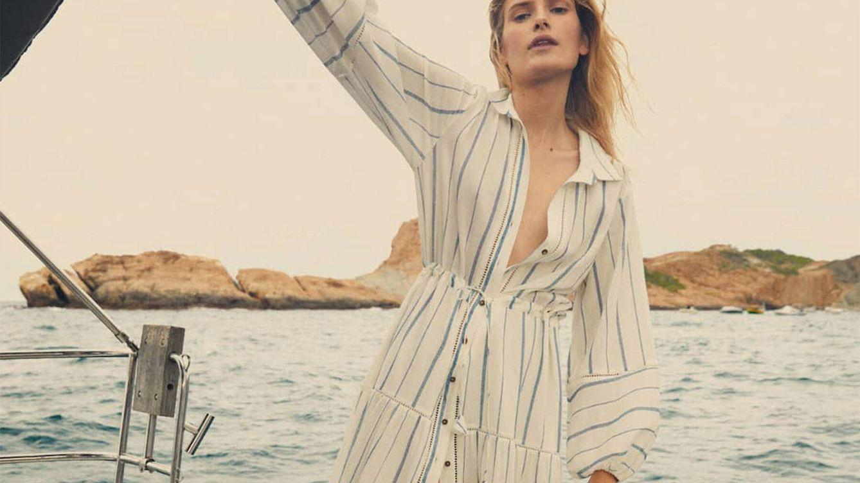 Massimo Dutti nos transporta al mar con este vestido de sus novedades