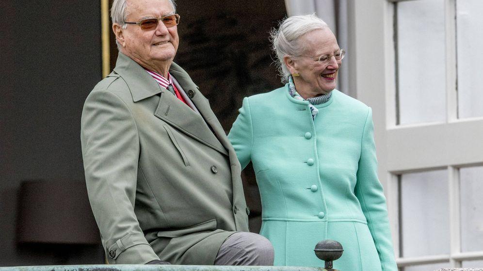 Foto: El príncipe Henrik junto a la reina Margarita. (Gtres)