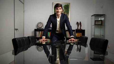 Notario de récord, el más joven de España y en solo dos años