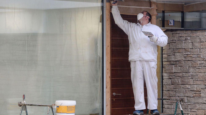 El Gobierno suspende obras en los edificios con personas ajenas a la construcción