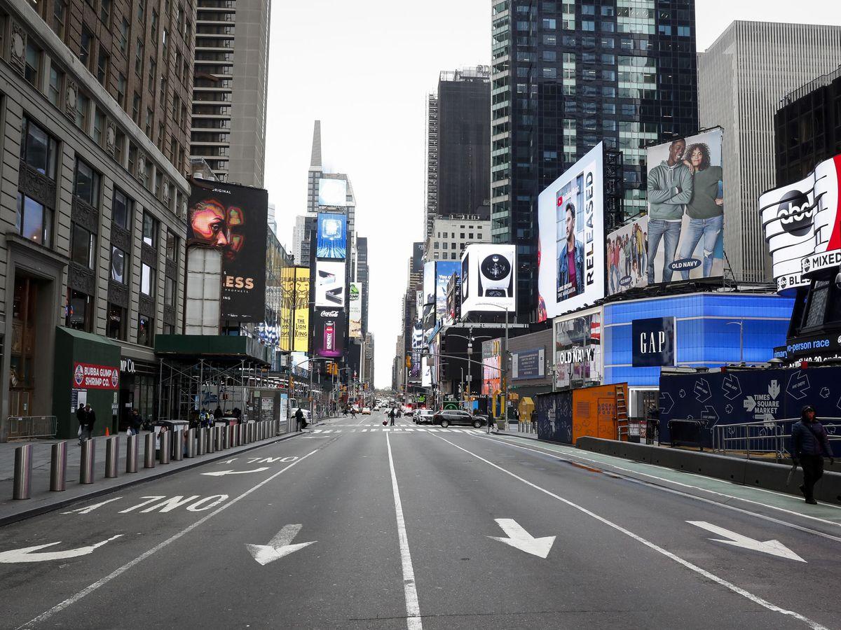 Foto: Times Square, casi vacía a 19 de marzo de 2020 (REUTERS)