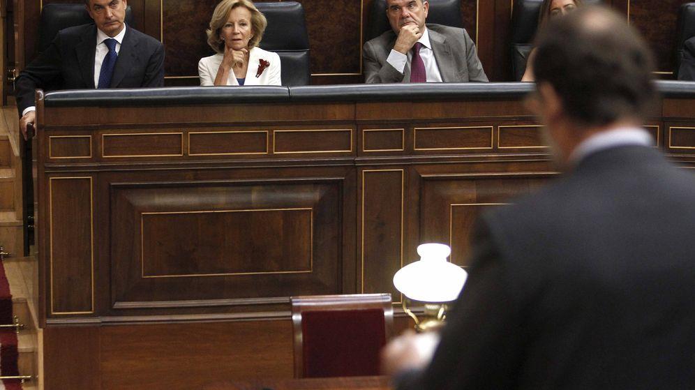 Foto: Mariano Rajoy, como líder de la oposición en 2011, en la última sesión de control al Gobierno de José Luis Rodríguez Zapatero. (EFE)