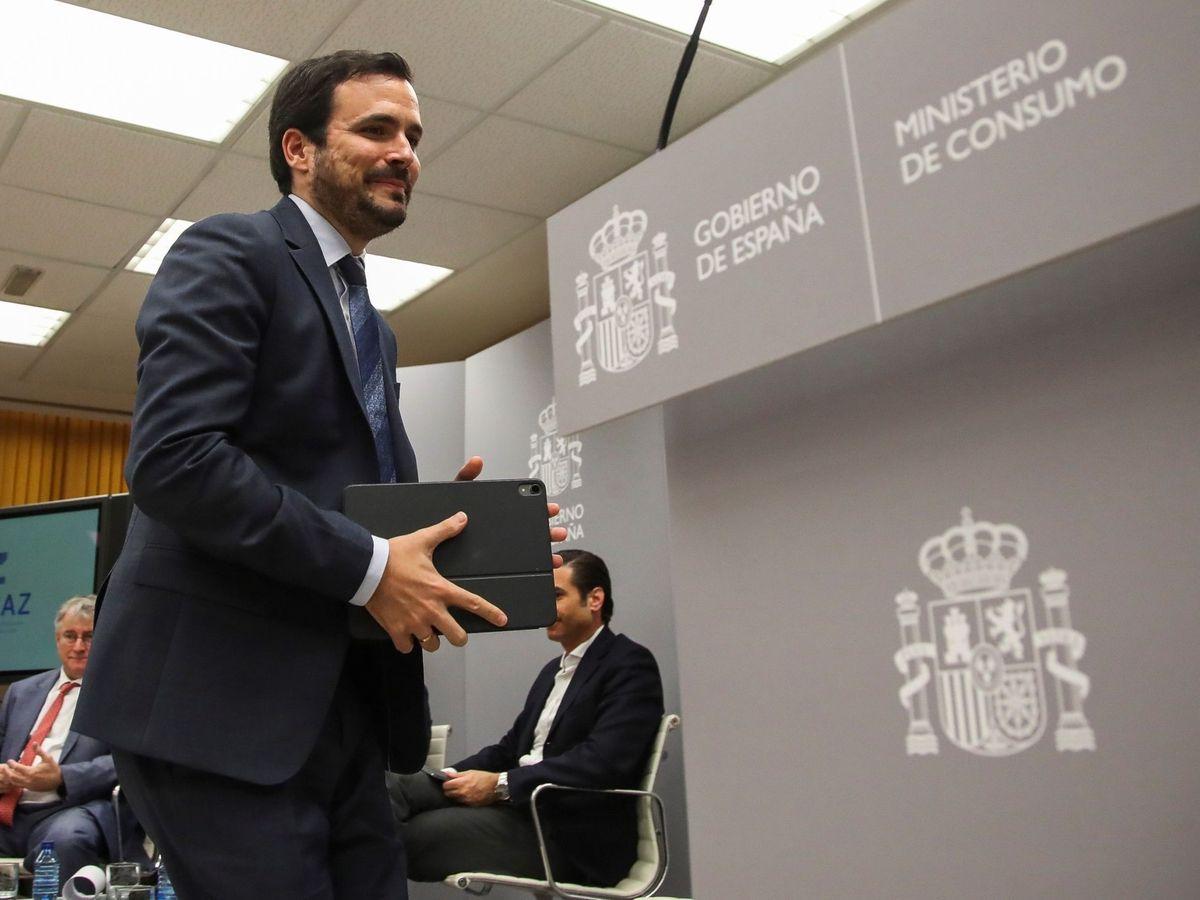 Foto: El ministro de Consumo, Alberto Garzón, el pasdo lunes en la sede del Ministerio de Sanidad y Consumo. (EFE)