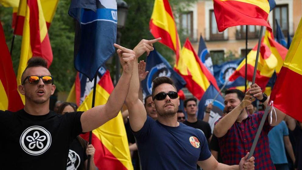 La Policía desaloja el edificio ocupado por el grupo neonazi Hogar Social Madrid