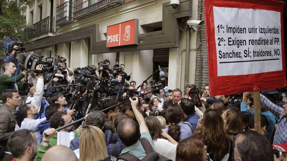 El PSOE dividido, el apoyo de Madrid en la calle... Ferraz encara un sábado histórico