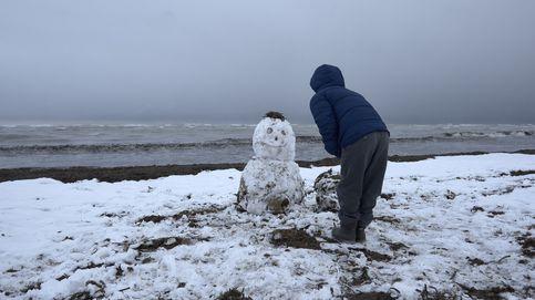 La nieve cubre parte de España... hasta la playa