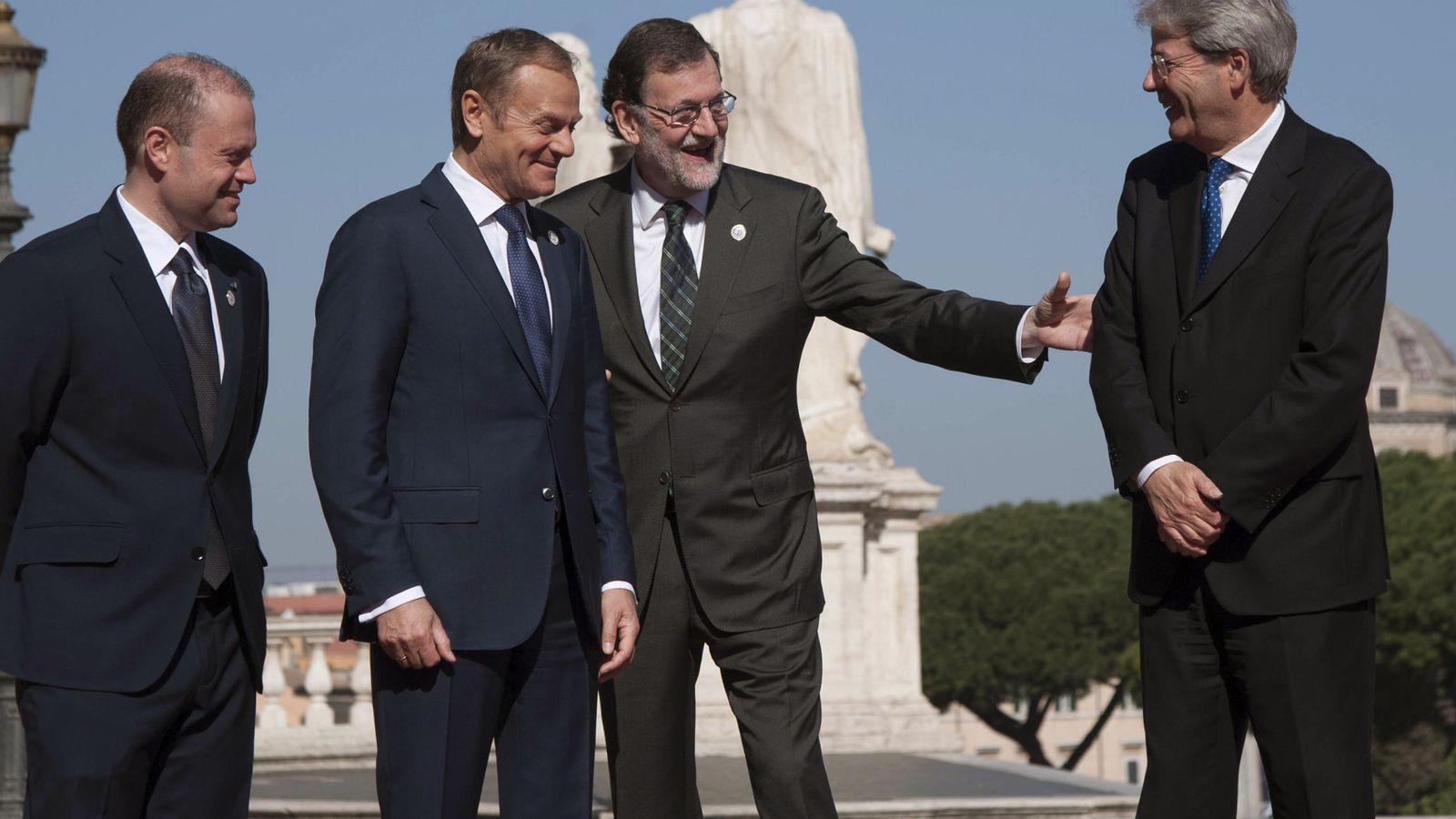 Foto: Rajoy, junto al italiano Paolo Gentiloni, el presidente del Consejo Europeo, Donald Tusk y el primer ministro de Malta, Joseph Muscat, en la cumbre de Roma. (EFE)