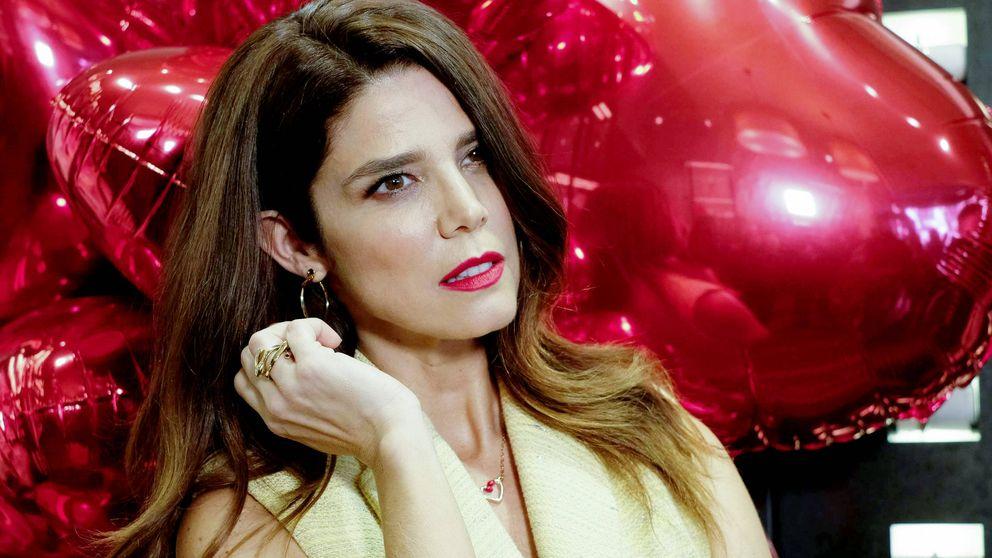 Juana Acosta 'home tour': de los 'reyes' del salón a su fotogénico dormitorio