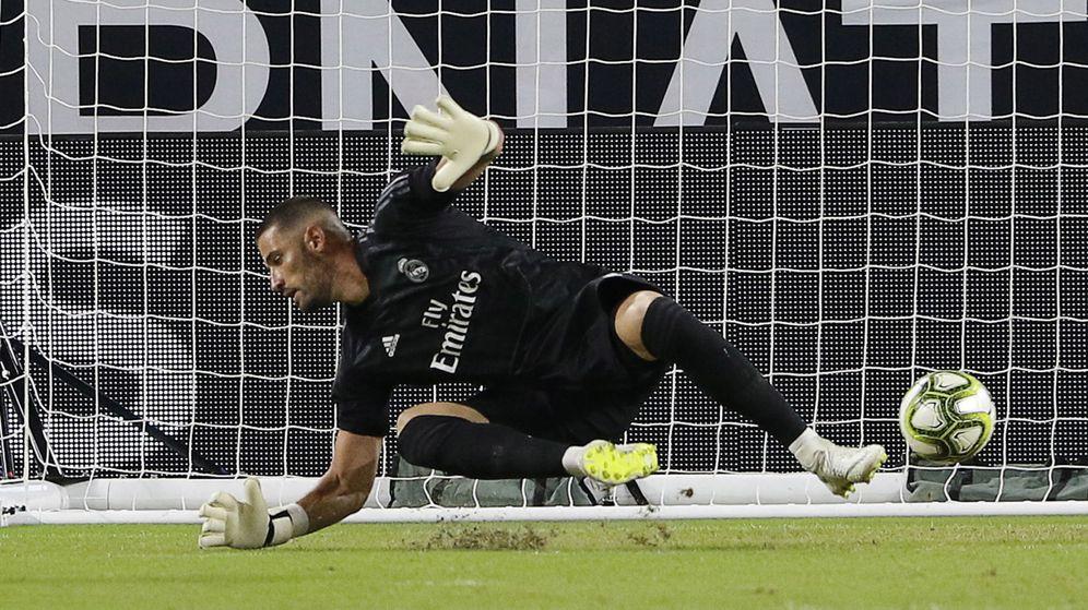 Foto: Kiko Casilla defendiendo la portería del Real Madrid. (EFE)