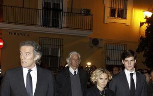 Ausencias sonadas en el funeral de la duquesa de Alba en Sevilla