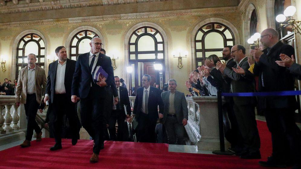 Foto: Oriol Junqueras y Raül Romeva llega al Parlament. (Reuters)