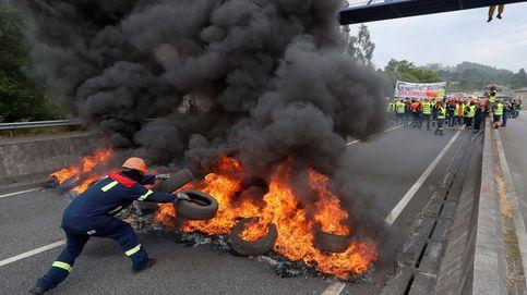 Más de 1.500 trabajadores cortan el acceso a la planta de Alcoa en Lugo