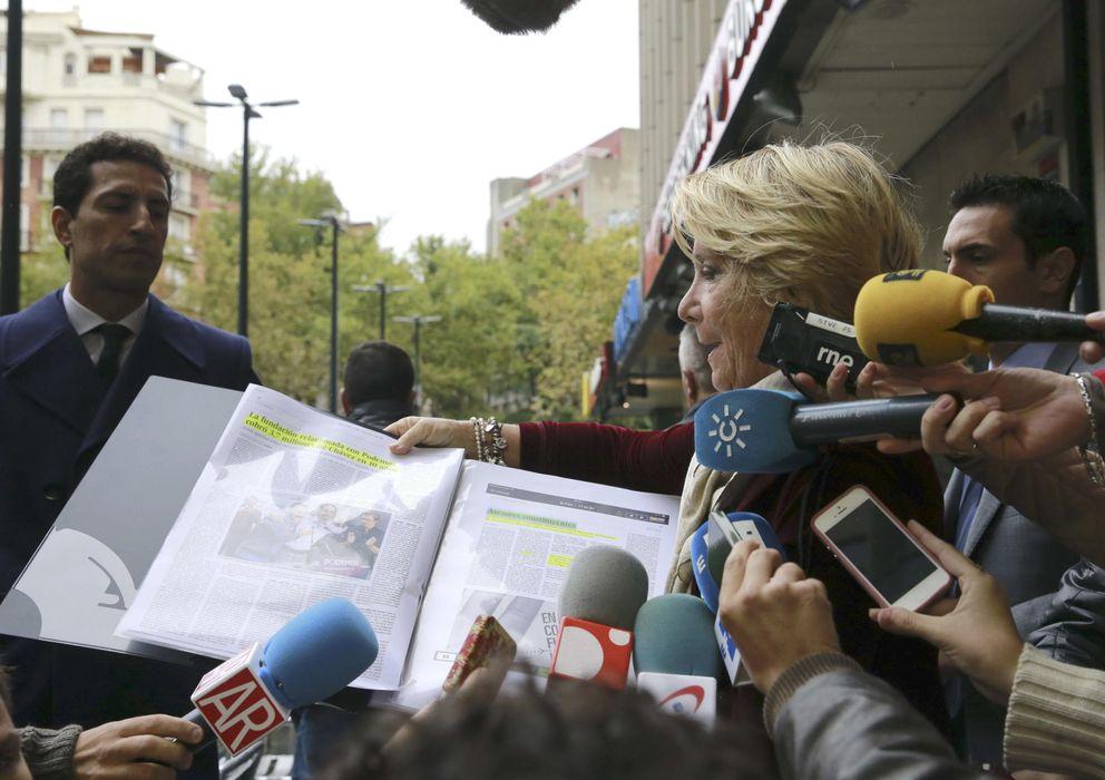 Foto: La presidenta del PP de Madrid, Esperanza Aguirre, a su llegada a los Juzgados de lo Social de Madrid (Efe)