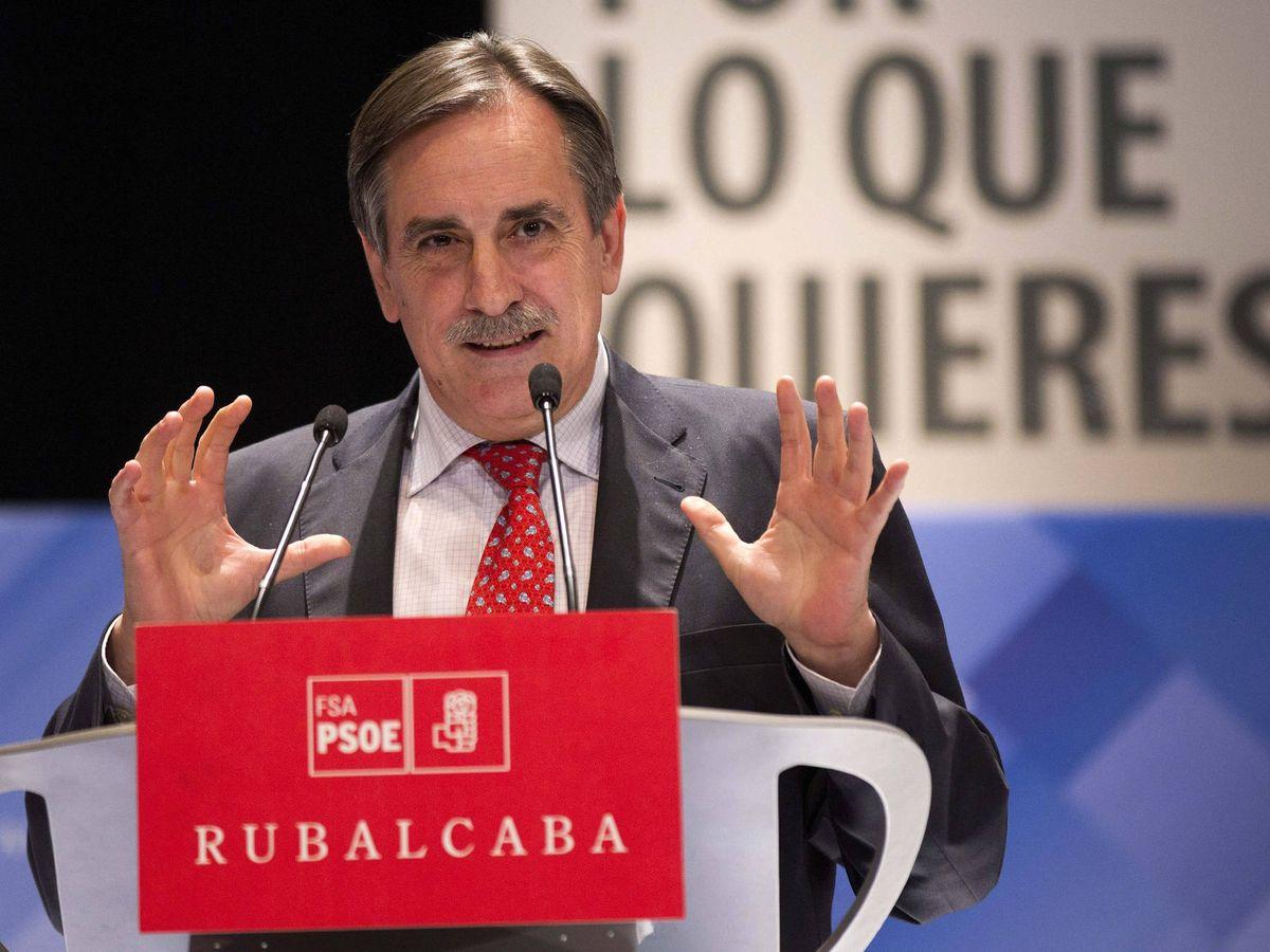 Foto: Valeriano Gómez en 2011. (EFE)