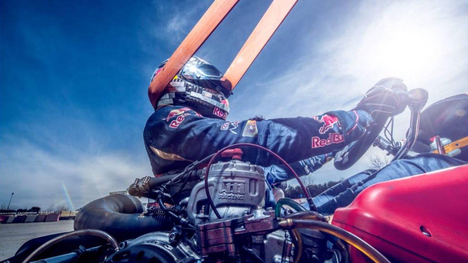 Foto: Carlos Sainz entrenando en su kart en Recas durante esta pretemporada.