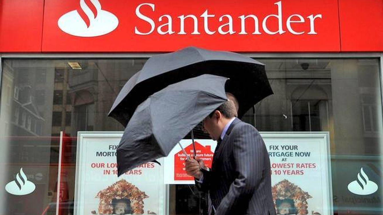 Dimite el cerebro en la sombra de URO, el casero de Santander, en plena opa del banco
