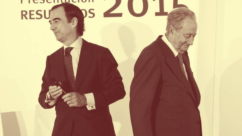 El padre de la novia, Juan Villar-Mir de Fuentes, y su abuelo, Juan Miguel Villar Mir. (Reuters)