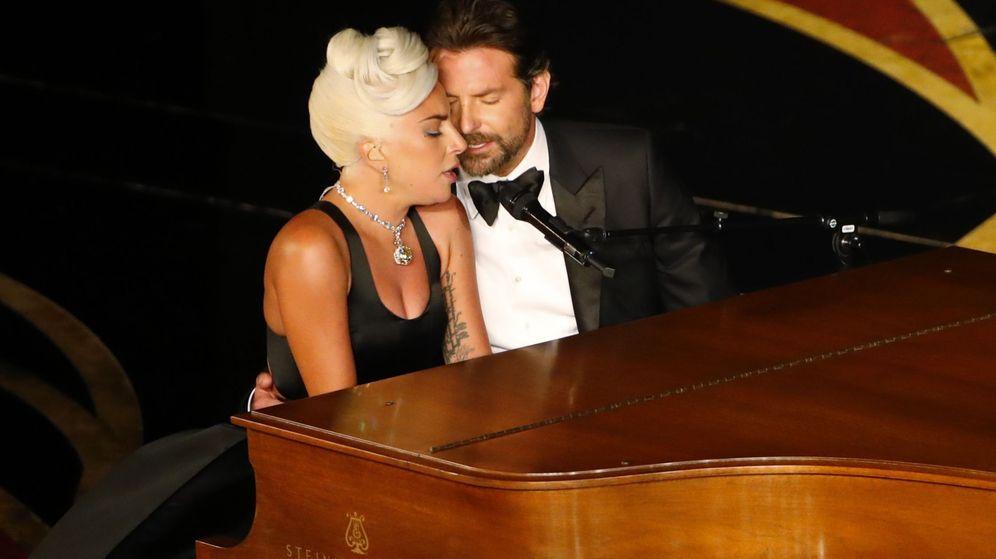 Foto: Lady Gaga y Bradley Cooper, durante su actuación en los Oscar. (Reuters)