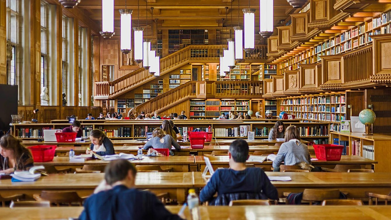 Foto: La biblioteca de la Universidad de Leuven, en Bélgica. (iStock)