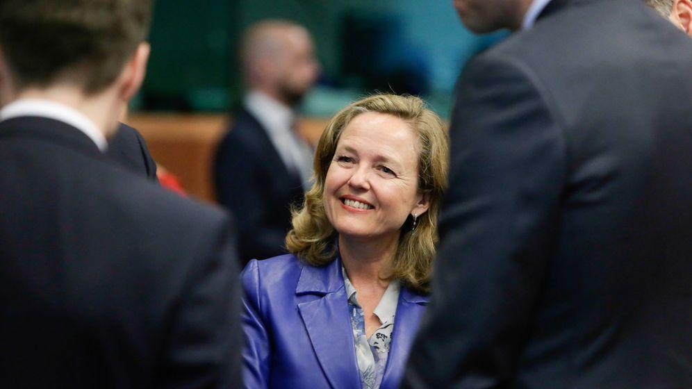 Foto: La ministra española de Economía, Nadia Calviño, a su llegada a una reunión del Consejo de Asuntos Exteriores de la UE. (EFE)