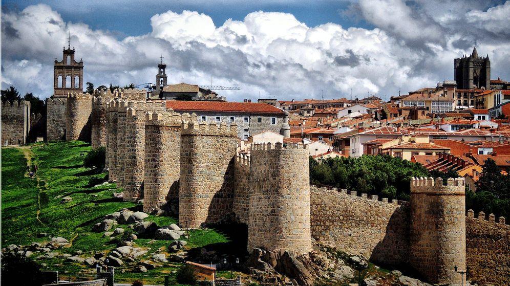Foto: Vista de la muralla de Ávila. (CC/Flickr/José Luis Cernadas Iglesias)