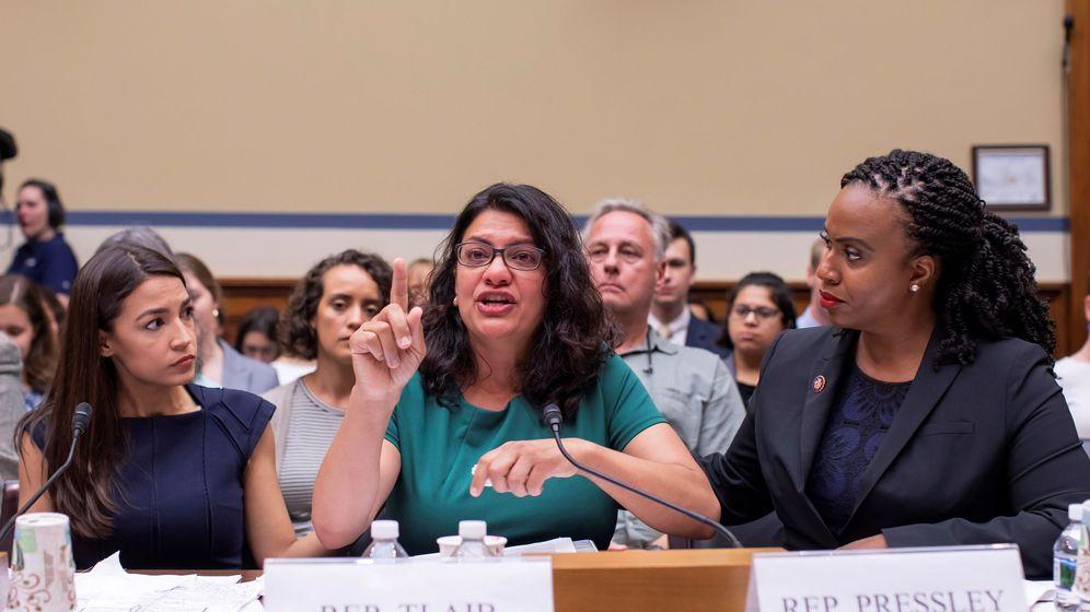 Foto: Las tres congresistas criticaron las medidas migratorias de Trump. (Reuters)