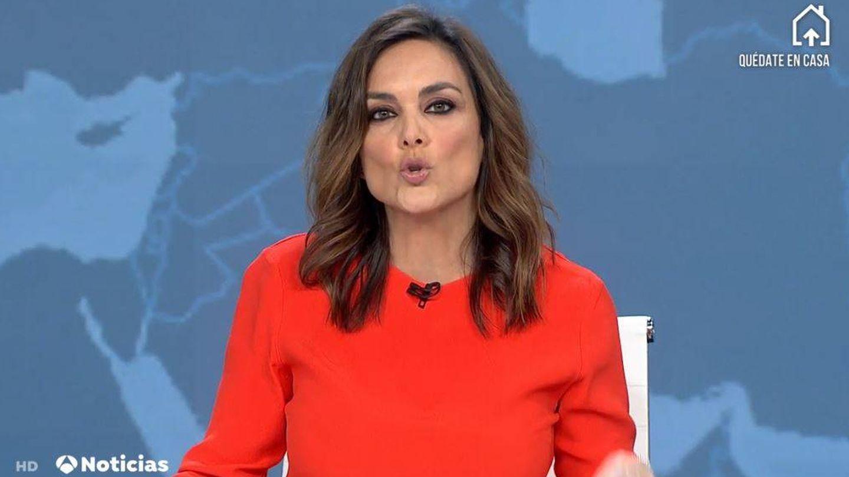 Mónica Carrillo, en 'Antena 3 Noticias'. (Atresmedia Televisión)
