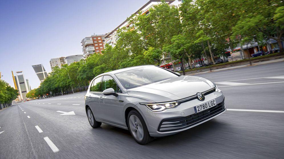 Foto: La octava generación del Volkswagen Golf ya rueda por las calles de Madrid.