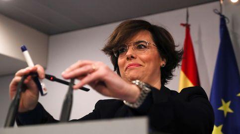 Puigdemont exige la dimisión de Sáenz de Santamaría por orquestar un fraude de ley