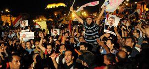 El Ejército egipcio amenaza con suspender hoy la Constitución si Mursi no rectifica