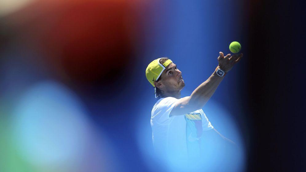Foto: Rafa Nadal entrenando en Melbourne.