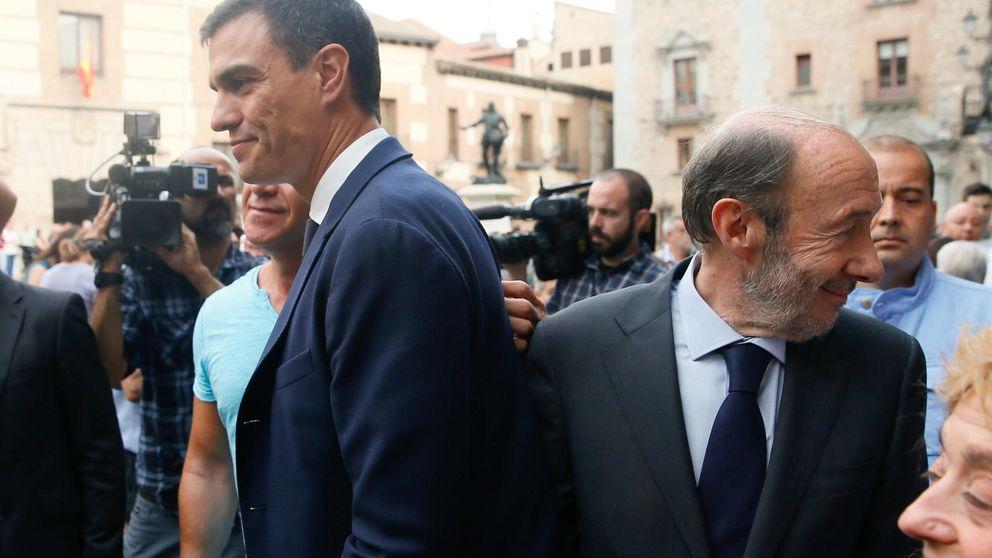 Rubalcaba planta a Sánchez en su escuela de gobierno y Ferraz repesca a Solana