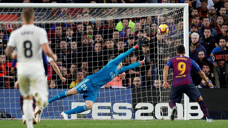 El segundo gol de Luis Suárez. (Reuters)