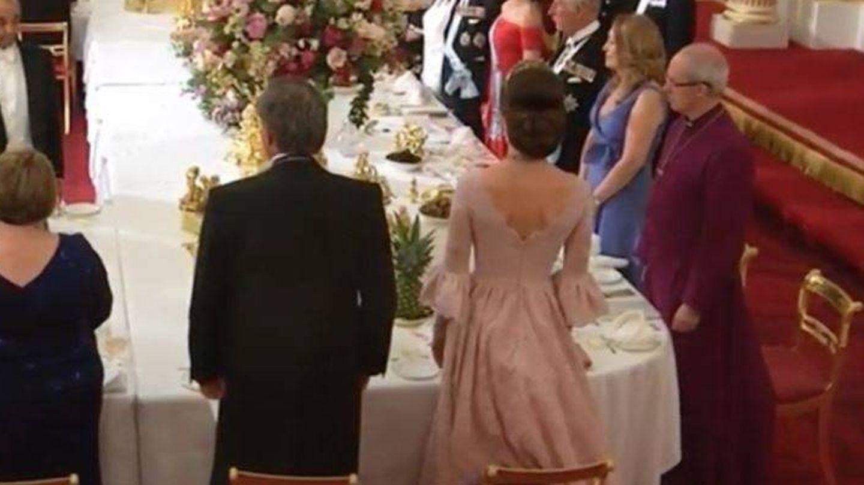 Detalle de la espalda del vestido de Kate.